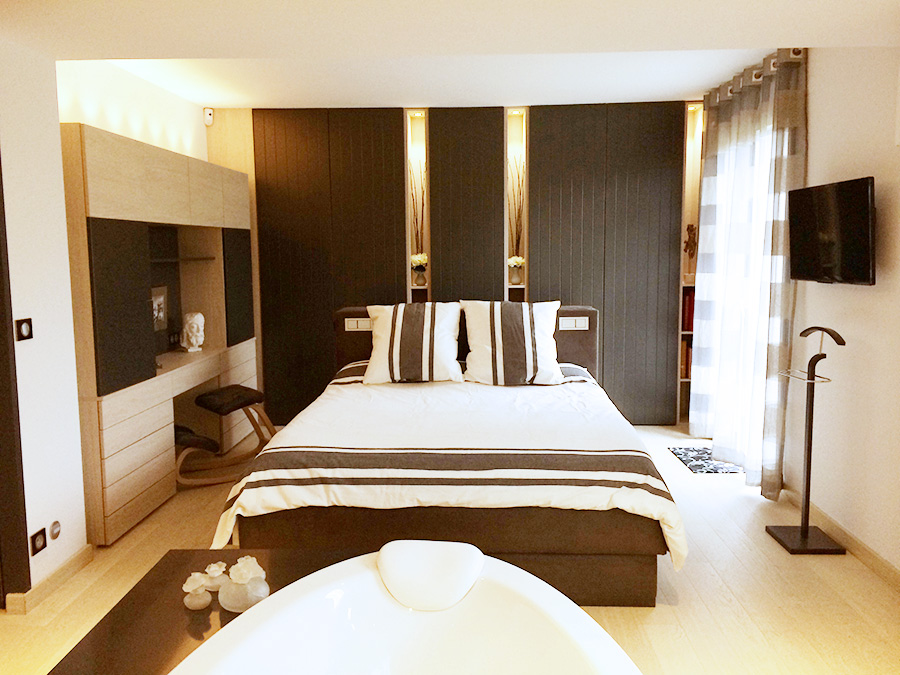 suite parentale avec salle de bain et dressing. Black Bedroom Furniture Sets. Home Design Ideas
